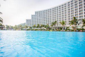 So-sanh-trai-nghiem-giua-8-resort-Nha-Trang-dep-nhat-hien-nay-Vinpearl-Resort-Nha-Trang